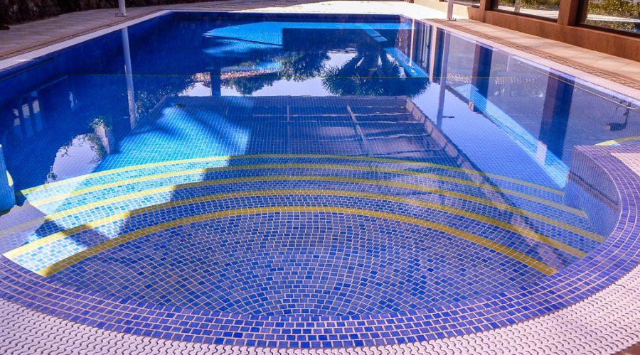 Schwimmbad & Wellness